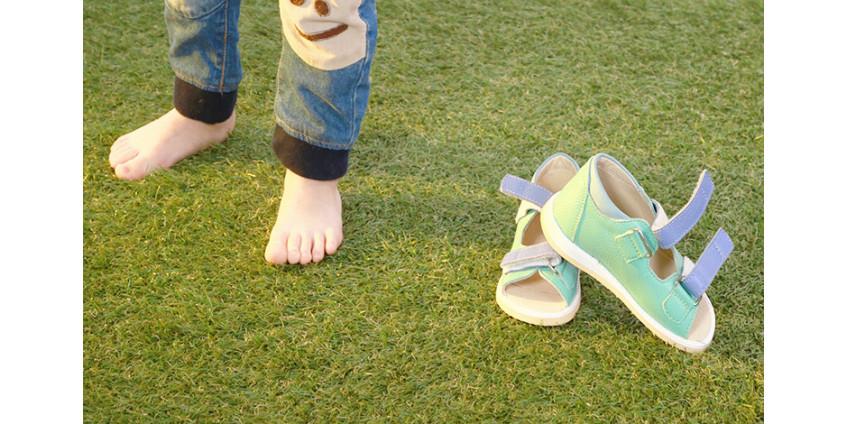 Правильное развитие стопы ребенка, в обуви или без