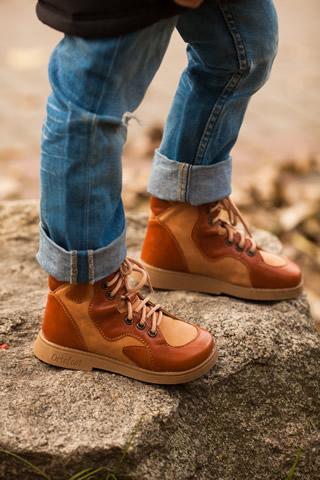 Антивальгусная детская обувь  - осенние ботинки